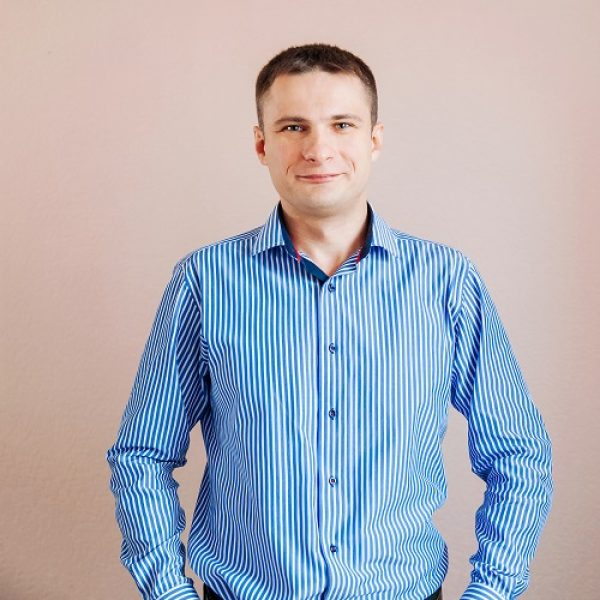 Наталич Юрій Миколайович (менеджер відділу продажу)